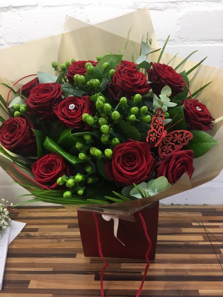 luxury red rose hand tie