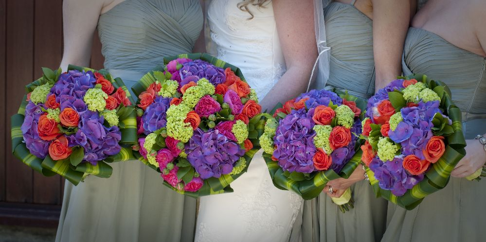 Fresh Wedding Flowers Online in Dundee, St. Andrew and Cupar of the UK