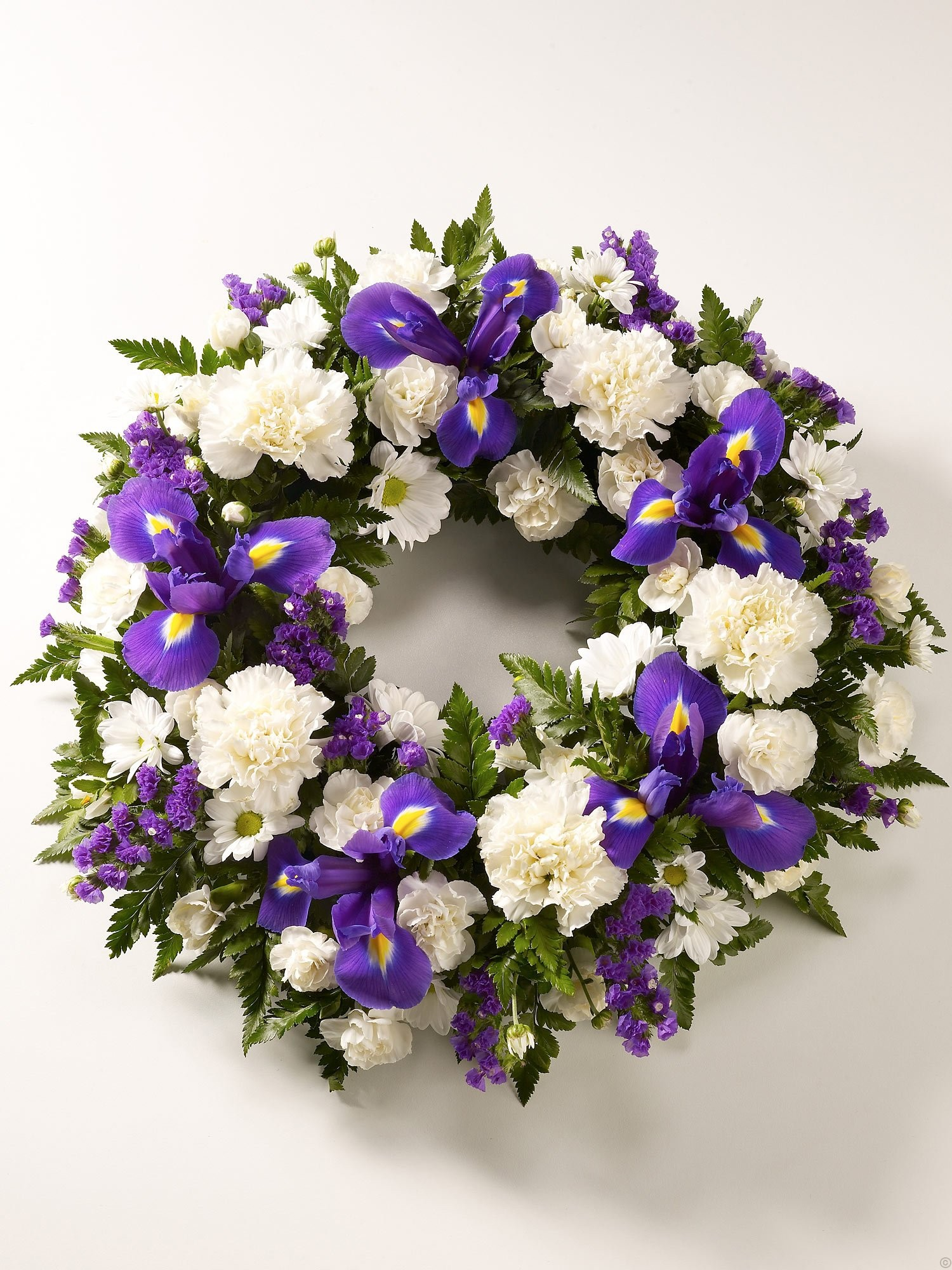 And white wreath purple and white wreath izmirmasajfo Images