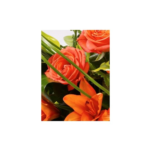 rose-lily-spray orange